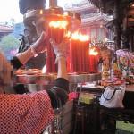 【台湾】台北で最強のパワースポット『龍山寺』に行って来た!旧正月に!